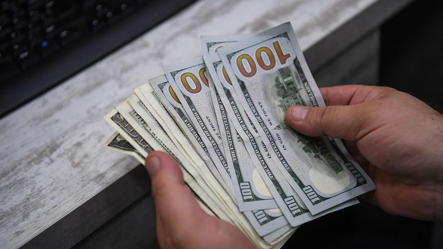 تاثیرات نوسانات نرخ دلار بر بازار آهن